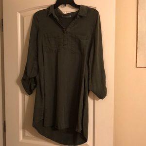 Green collared dress